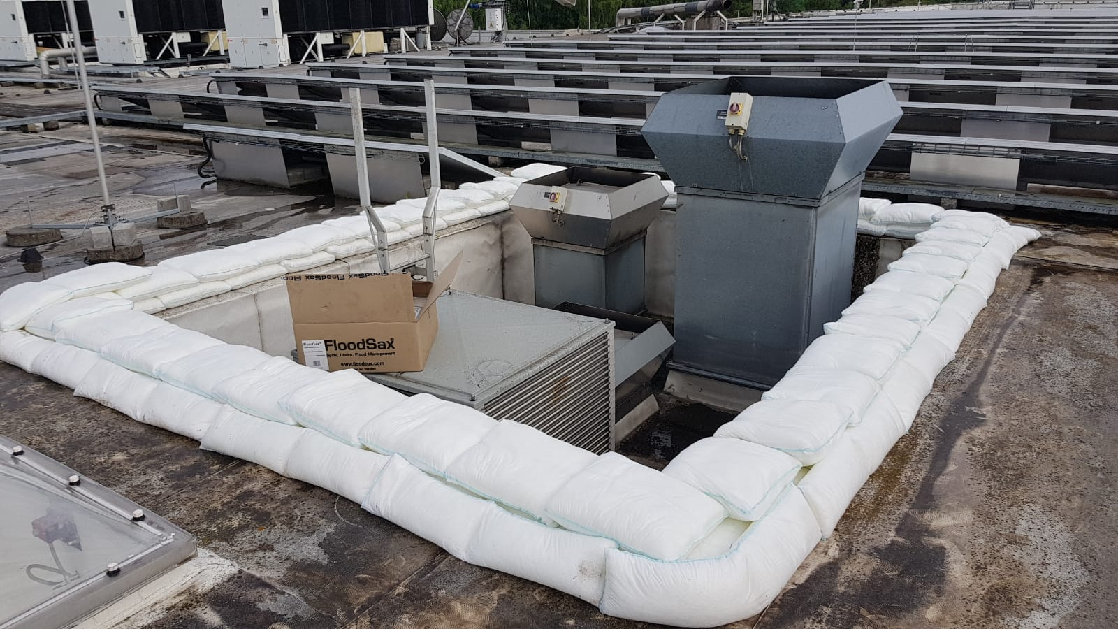 Floodsax-Belgium-roof4